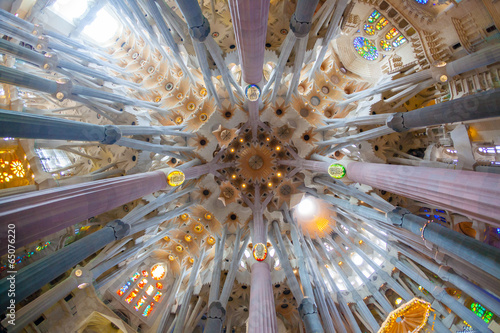 Photo sur Toile Barcelona Sagrada Familia, interior view