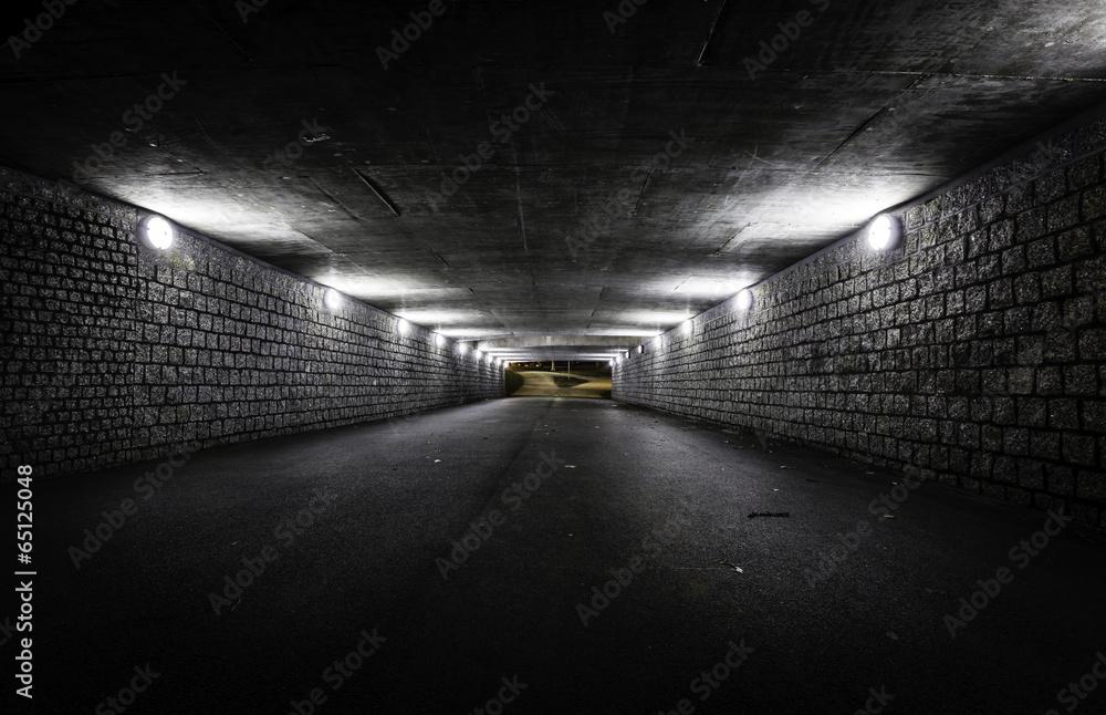 Obraz Empty dark tunnel at night fototapeta, plakat