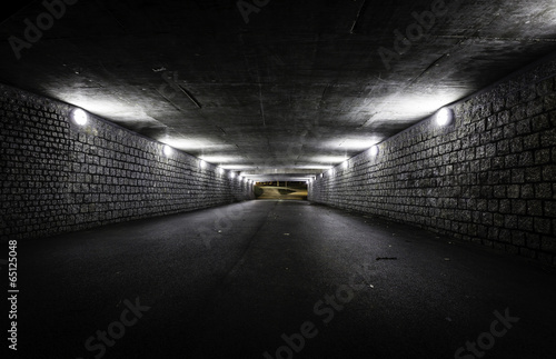 Empty dark tunnel at night Fotobehang