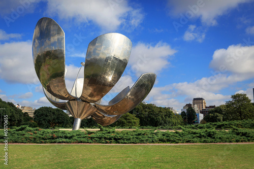 Poster Buenos Aires Floralis Generica is a sculpture made of steel and aluminum loca