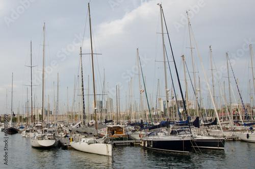Fototapety, obrazy: Стоянка яхт в Барселоне
