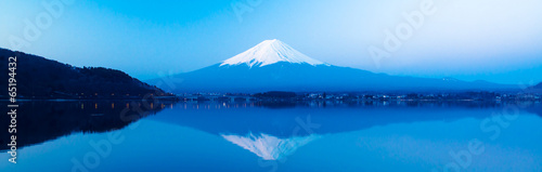 Panoramic view of Mt Fuji rises above Lake Kawaguchi