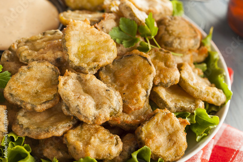 Foto op Aluminium Voorgerecht Delicious Battered Fried Pickles