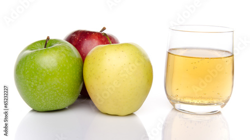 Staande foto Vruchten Cider with three sorts of apple