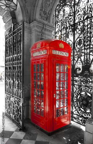 angielska-czerwona-budka-telefoniczna-londyn