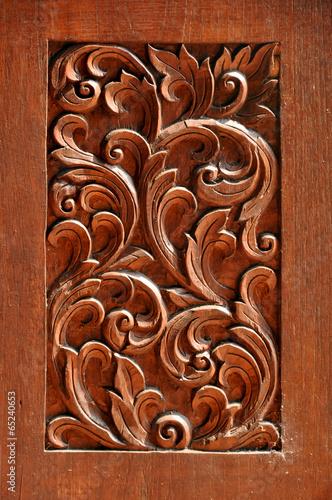 tekstura-rzezbionego-drewna