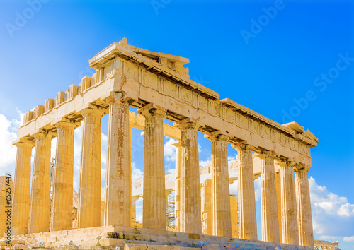 Fotobehang Athene the famous Parthenon temple in Acropolis in Athens Greece