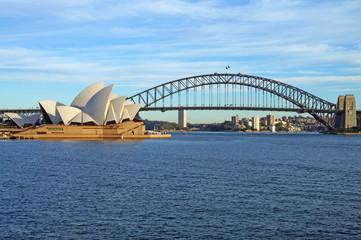 Lučki most u Sydneyu i operna kuća