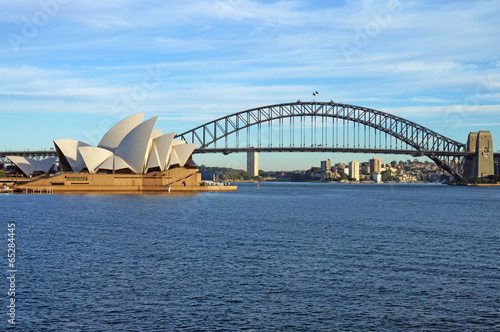 Photo sur Toile Australie The Sydney Harbour Bridge and Opera House