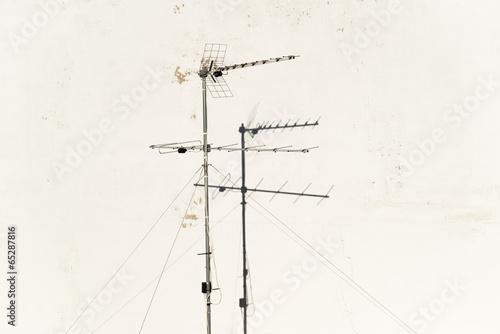 antena televisión pared blanca Fotobehang