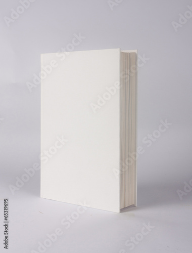 Fotografija casebound hardback book template with blank cover