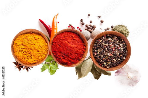 Fotografía  Various spices isolated on white background