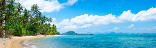 Door stickers Tropical beach Untouched tropical beach