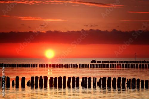 Fototapeta morze Bałtyk zachod-slonca-nad-morzem-baltyckim