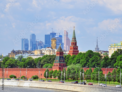 Photo  Moscow Kremlin and moscow-city district