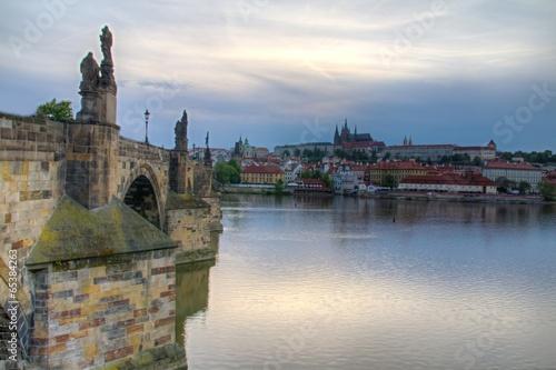 Ingelijste posters Oost Europa Prague castle and river