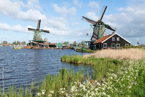 les-moulins-de-zaanse-schans-i-hollande