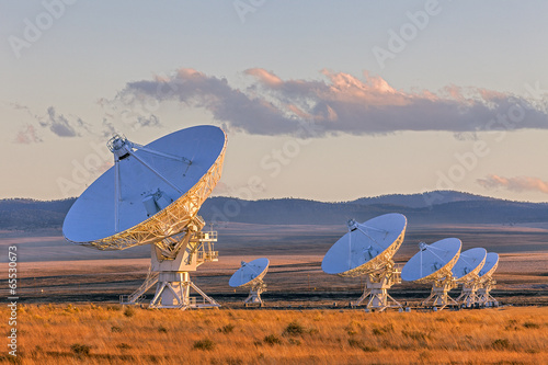 Fotografía  Very Large Array Satellite Dishes at Sunset in New Mexico, USA