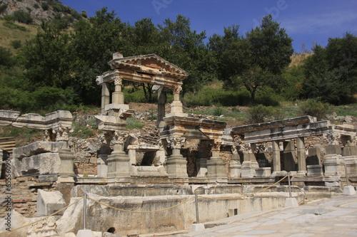 Deurstickers Rudnes fontaine de Trajan