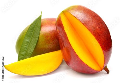 Carta da parati Mango with leaf and slices