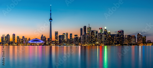 Photo  Toronto panorama at dusk