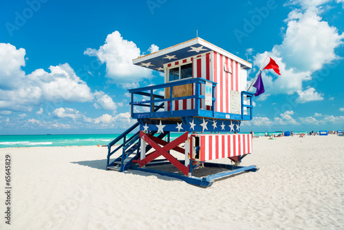Lifeguard hut in South Beach, Miami Fototapet