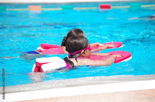 cours de natation en piscine Fototapeta