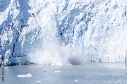 Spoed Foto op Canvas Gletsjers Calving of Marguerite Glacier in Alaska