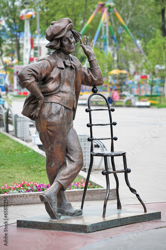Fotografie, Obraz Sculpture of Soviet clown Oleg Popov in Tyumen