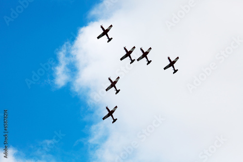Fotografija  Aerial Acrobatics