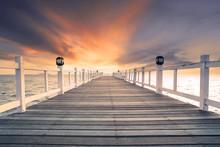 Old Wood Bridg Pier With Nobod...