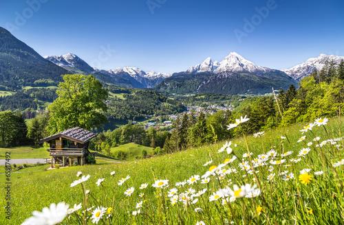 Fotobehang Lente Scenic landscape in Bavarian Alps, Berchtesgaden, Germany