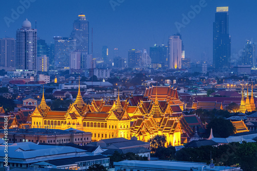 Aluminium Prints Bangkok Grand palace at twilight in Bangkok, Thailand