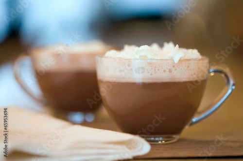Foto op Plexiglas Chocolade Two cups of hot cocoa or coffee