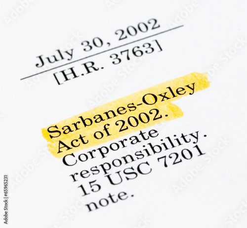 Fotografia  Sarbanes-Oxley Act of 2002, highlighted in the legal document