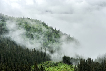 Obraz na SzkleFog and cloud mountain valley landscape