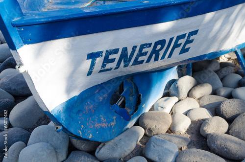Fotografia  Tenerife boat in Los Cristianos beach - Spain