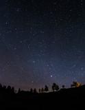 Gwiazdy na niebie nocą