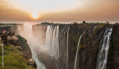 La pose en embrasure Afrique Victoria Falls sunset