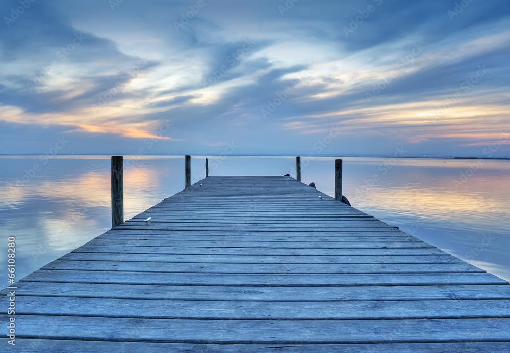 Fototapety, obrazy: paisaje de un embarcadero de madera en el lago