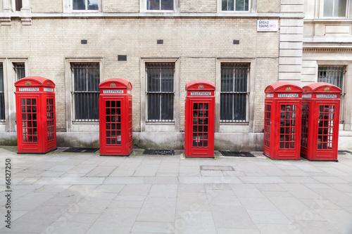 czerwone-komorki-terlefon-w-londynie