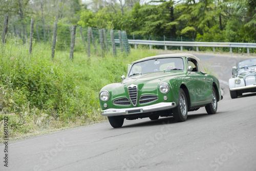 In de dag Vintage cars Green vintage car