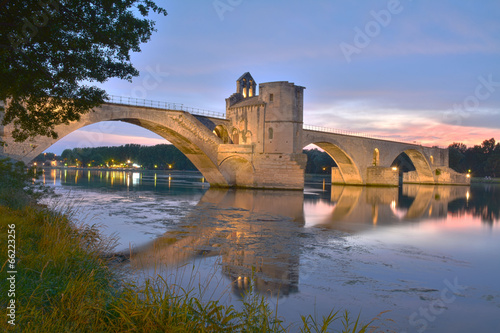 La pose en embrasure Ponts pont d'avignon