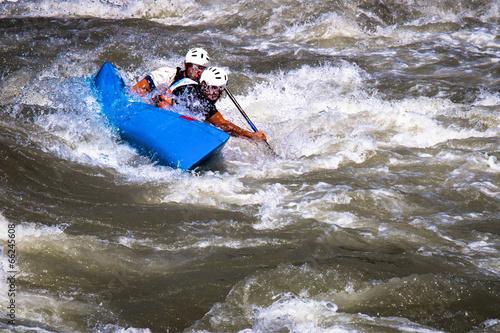 Fotografie, Obraz  Canoa sulle rapide di un torrente