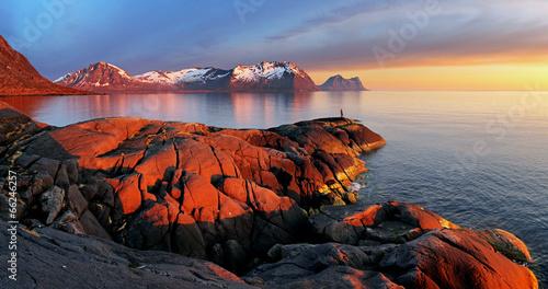 Gris traffic Ocean mountain panorama sunset - Norway