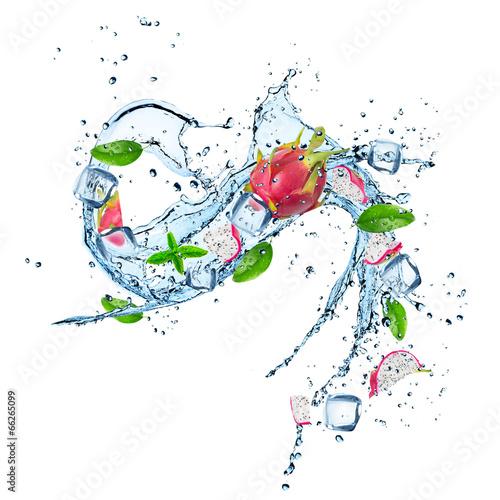 Keuken foto achterwand Opspattend water Dragon fruit in water splash isolated