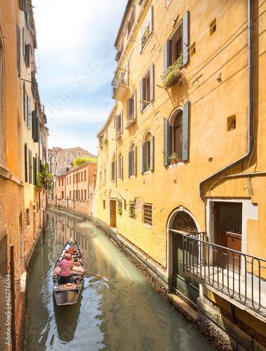 Fototapety, obrazy: Gondola with gondolier in Venice, Italy