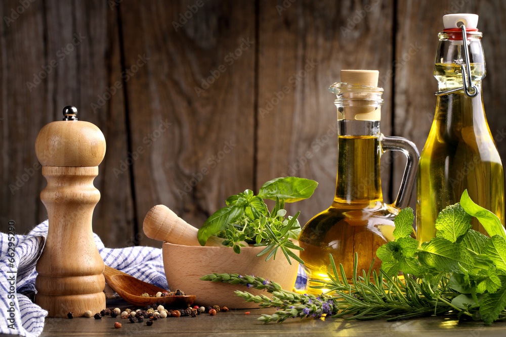 zioła i olej <span>plik: #66295290 | autor: lily</span>