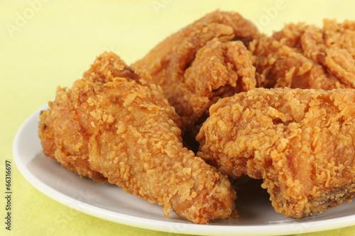 Foto op Aluminium Kip Fresh fried chicken on a white plate