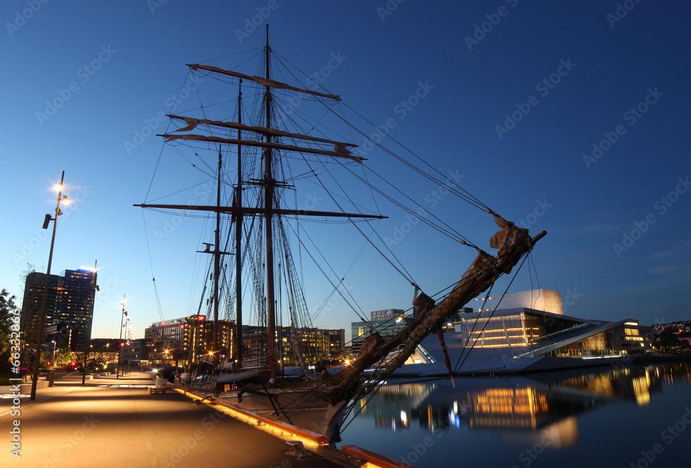 Fotografie, Tablou  Segelschiff in Oslo